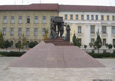 Miskolc hősi emlékmű 2009.10.10. küldő-kalyhas