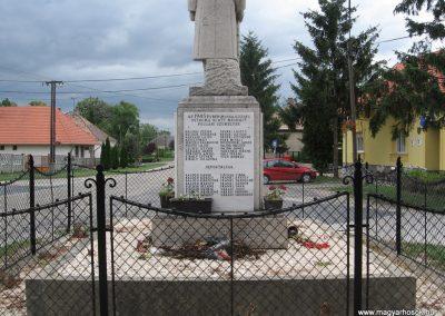 Mocsa világháborús emlékmű 2008.07.04. küldő-Kályhás (10)