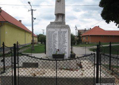 Mocsa világháborús emlékmű 2008.07.04. küldő-Kályhás (4)