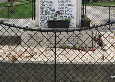 Mocsa világháborús emlékmű 2008.07.04. küldő-Kályhás (6)