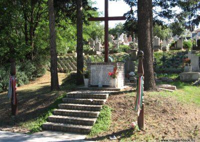 Mogyoród II.vh emlékmű 2007.07.15. küldő-Kályhás
