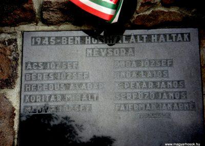 Mogyoróska világháborús emlékmű 2012.06.13. küldő-megtorló (4)