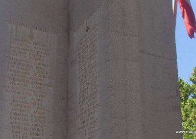 Mohács világháborús emlékmű 2008.06.04. küldő-V3t3r4n (10)