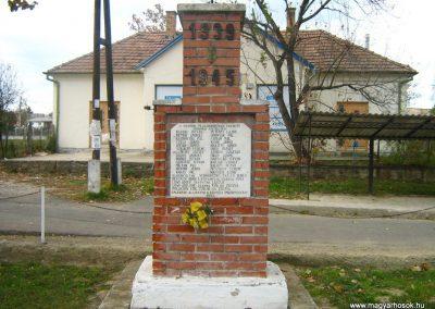 Mohora II.vh emlékmű 2007.10.22.küldő-Mónika39