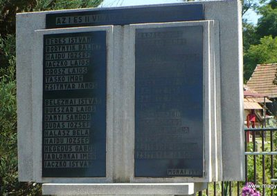 Monaj világháborús emlékmű 2010.08.10. küldő-Gombóc Arthur (1)