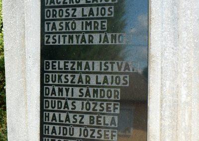 Monaj világháborús emlékmű 2010.08.10. küldő-Gombóc Arthur (2)