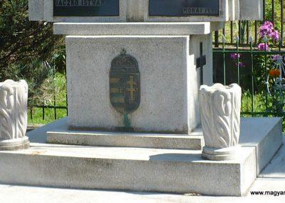Monaj világháborús emlékmű 2010.08.10. küldő-Gombóc Arthur (3)