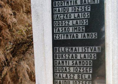 Monaj világháborús emlékmű 2011.11.01. küldő-Gulyás László (2)