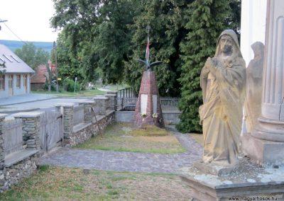 Monostorapáti világháborús emlékmű 2013.08.22. küldő-kalyhas