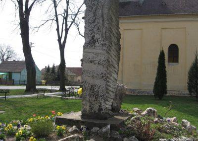 Mosdós világháborús emlékmű 2009.04.05. küldő-kalyhas (4)