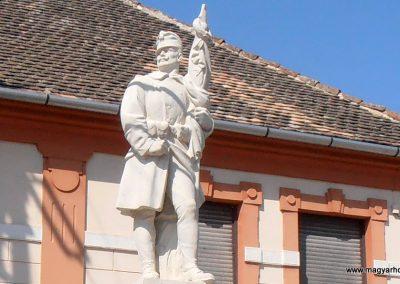 Mucsfa világháborús emlékmű 2012.03.21. küldő-Bagoly András (1)