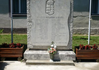 Muraszemenye - Felsőszemenye világháborús emlékmű 2012.07.10. küldő-Sümec (1)