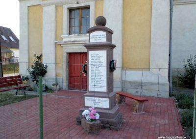 Nádasdladány I. világháborús emlékmű 2015.06.21. küldő-Méri (5)