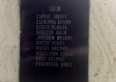 Nána világháborús emlékmű 2011.08.28. küldő-Horváth Zsolt (3)