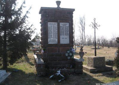 Négyes világháborús emlékmű 2008.02.20.küldő-Kályhás (1)