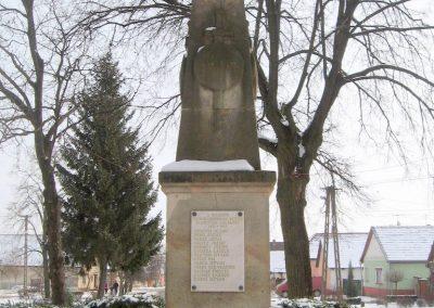 Nézsa világháborús emlékmű 2010.01.26. küldő-kalyhas (10)