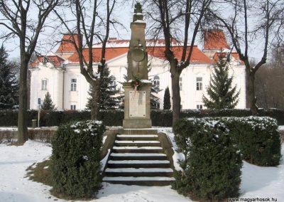 Nézsa világháborús emlékmű 2010.01.26. küldő-kalyhas