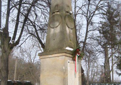 Nézsa világháborús emlékmű 2010.01.26. küldő-kalyhas (9)