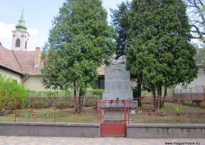 Nógrád I.világháborús emlékmű-2012.04.25. küldő-kalyhas