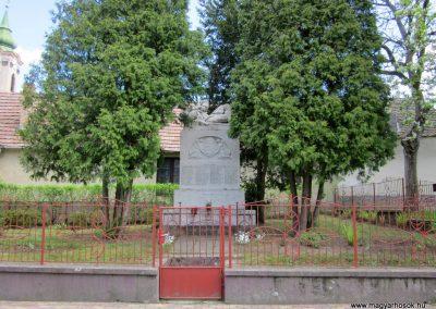 Nógrád I.világháborús emlékmű-2012.04.25. küldő-kalyhas (6)
