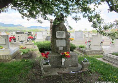 Nógrád II. világháborús emlékmű 2012.04.25. küldő-kalyhas (1)