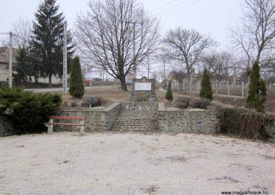 Nógrádkövesd világháborús emlékmű 2012.03.08. küldő-kalyhas (1)
