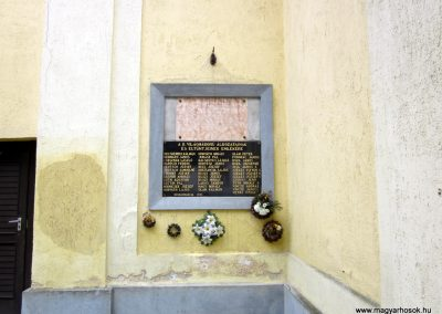 Nógrádmarcal világháborús emléktáblák 2012.03.08. küldő-kalyhas (2)