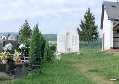 Nógrádmegyer világháborús emlékmű 2012.06.29. küldő-Baranyi Pál (5)