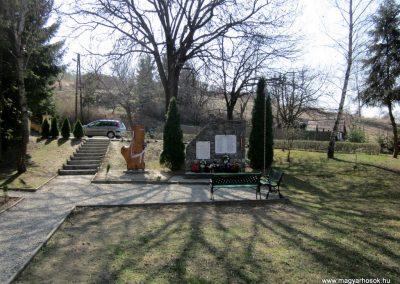 Nógrádsipek világháborús emlékmű 2012.04.03. küldő-kalyhas