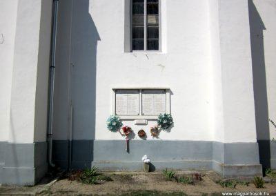 Nógrádszakál világháborús emléktáblák 2012.04.03. küldő-kalyhas (1)