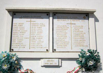 Nógrádszakál világháborús emléktáblák 2012.04.03. küldő-kalyhas (2)