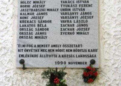 Nőtincs világháborús emléktáblák 2010.11.02. küldő-Magyar Ilona (4)