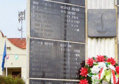 Nagyölved világháborús emlékmű 2014.09.17. küldő-méri (2)