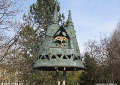 Nagyatád II.vh emlékmű 2009.04.05. küldő-kalyhas (6)