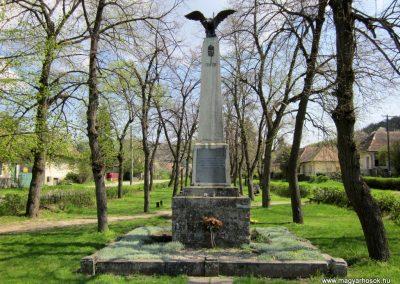 Nagybörzsöny I. világháborús emlékmű 2013.04.21. küldő-kalyhas (1)