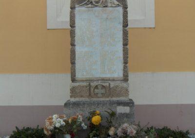 Nagybajcs világháborús emlékmű 2006.11.07.Küldő-Hege