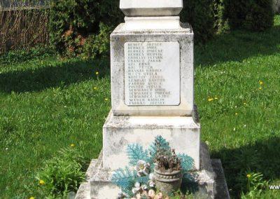 Nagyberki világháborús emlékmű 2009.04.04. küldő-kalyhas (6)