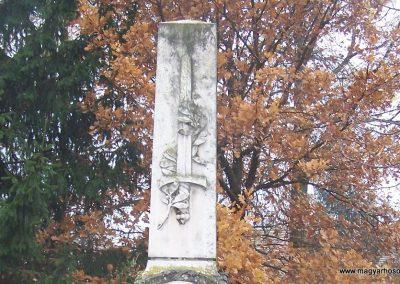 Nagycenk világháborús emlékmű 2009.11.15. küldő-Horváth Zsolt (1)