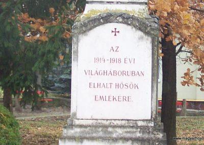 Nagycenk világháborús emlékmű 2009.11.15. küldő-Horváth Zsolt (2)