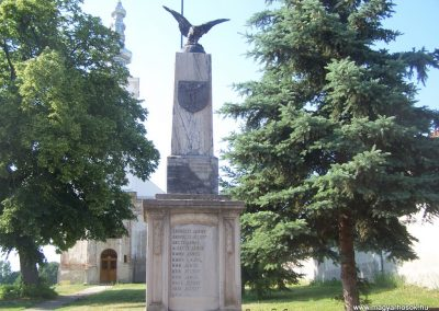 Nagycsány világháborús emlékmű 2009.05.23.küldő-Horváth Zsolt (2)