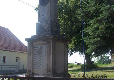 Nagycsány világháborús emlékmű 2009.05.23.küldő-Horváth Zsolt (7)