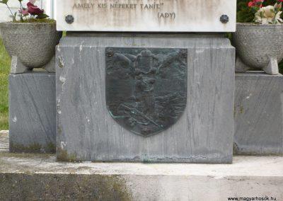 Nagydobsza világháborús emlékmű 2009.03.23.küldő-sümec (4)
