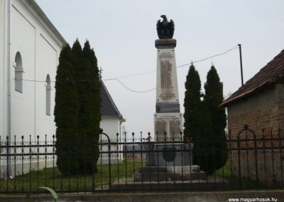 Nagydobsza világháborús emlékmű 2009.03.23.küldő-sümec