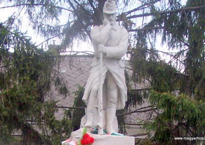 Nagydorog világháborús emlékmű 2010.05.02.küldő-Horváth Zsolt (2)