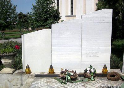 Nagyecsed világháborús emlékmű 2014.08.04. küldő-kalyhas (2)