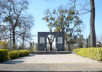 Nagygörbő világháborús emlékmű 2013.04.14. küldő-Sümec