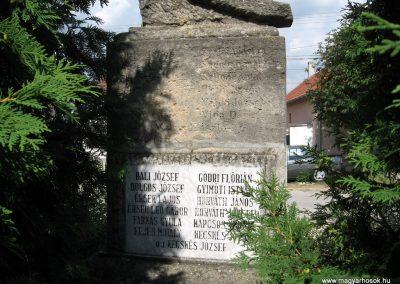 Nagygyimót világháborús emlékmű 2010.07.21. küldő-kalyhas (7)