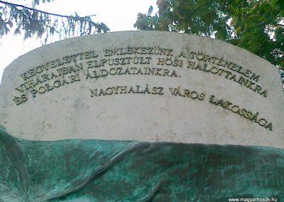 Nagyhalász hősi emlékmű 2010.07.09. küldő-Csiszár Lehel (2)
