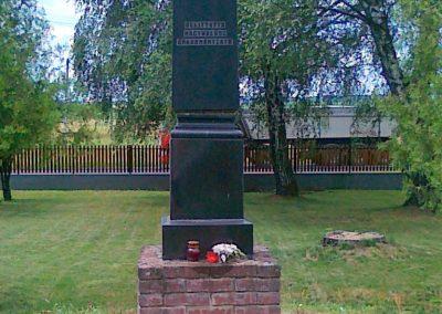 Nagyhalász világháborús emlékmű 2010.07.09. küldő-Csiszár Lehel (2)