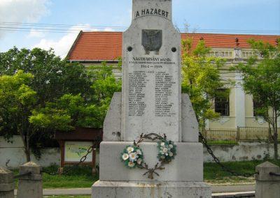 Nagyharsány I.vh emlékmű 2010.05.30. küldő-Mistel